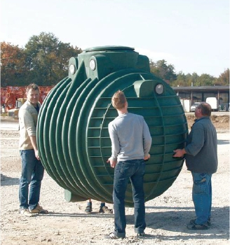 Zbiornik podziemny Columbus do gromadzenia deszczówki do wykorzystania w ogrodzie